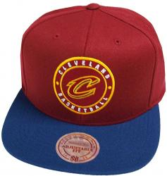 Mitchell & Ness Cleveland Cavaliers 2 Tone Circle Patch HUD055 Snapback Cap Kappe Basecap